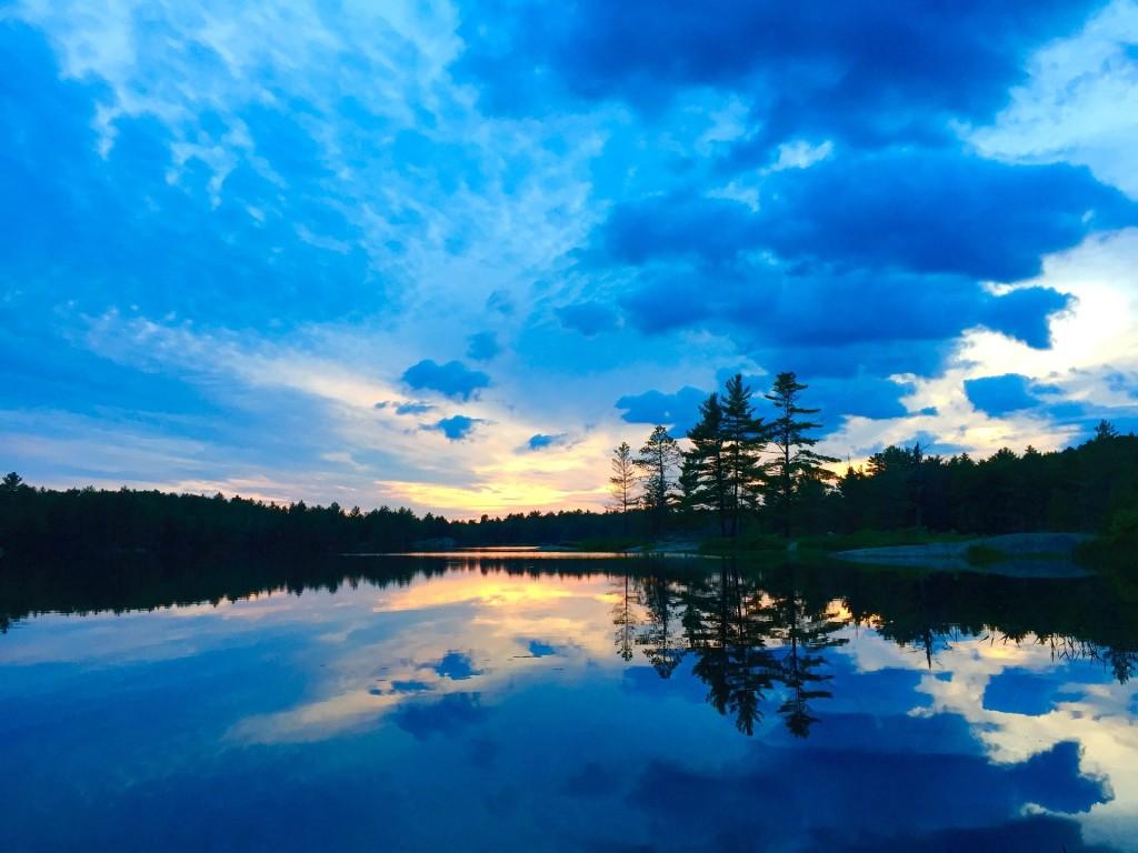 lake-918925_1920