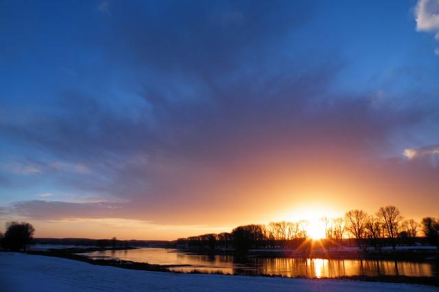 sunrise-1738937_640
